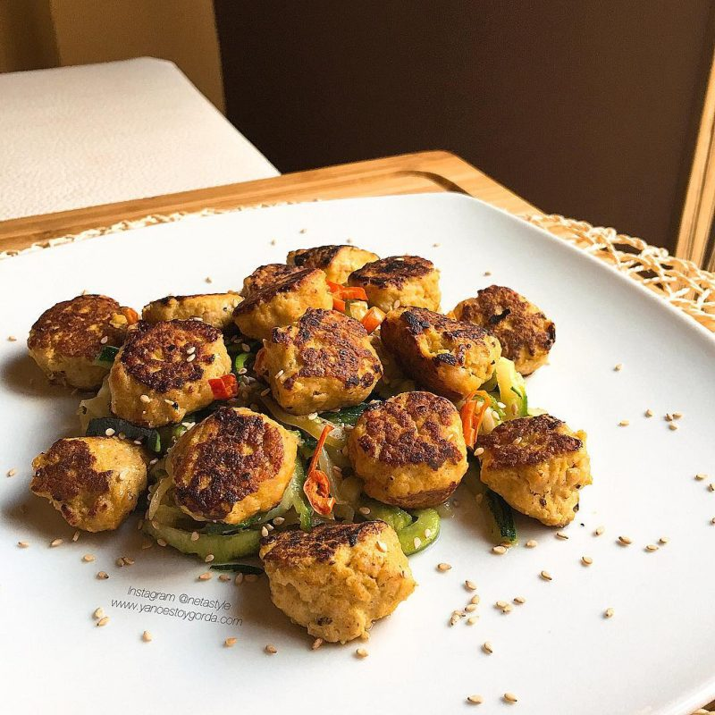 Albondiguillas de pollo al curry y mostaza