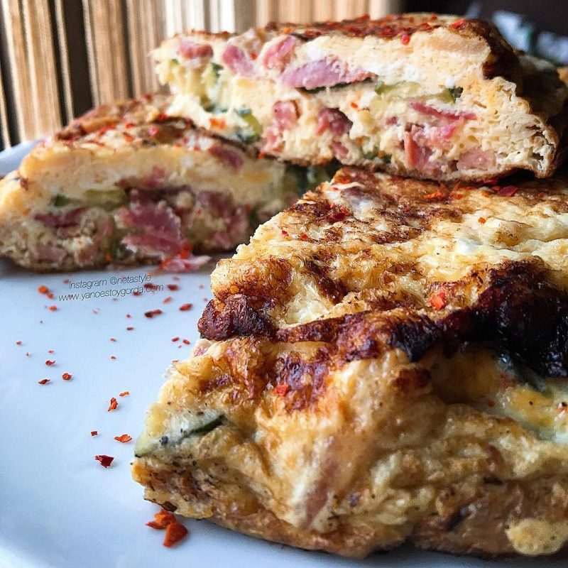 """Tortilla de calabacín y jamón """"fit"""""""