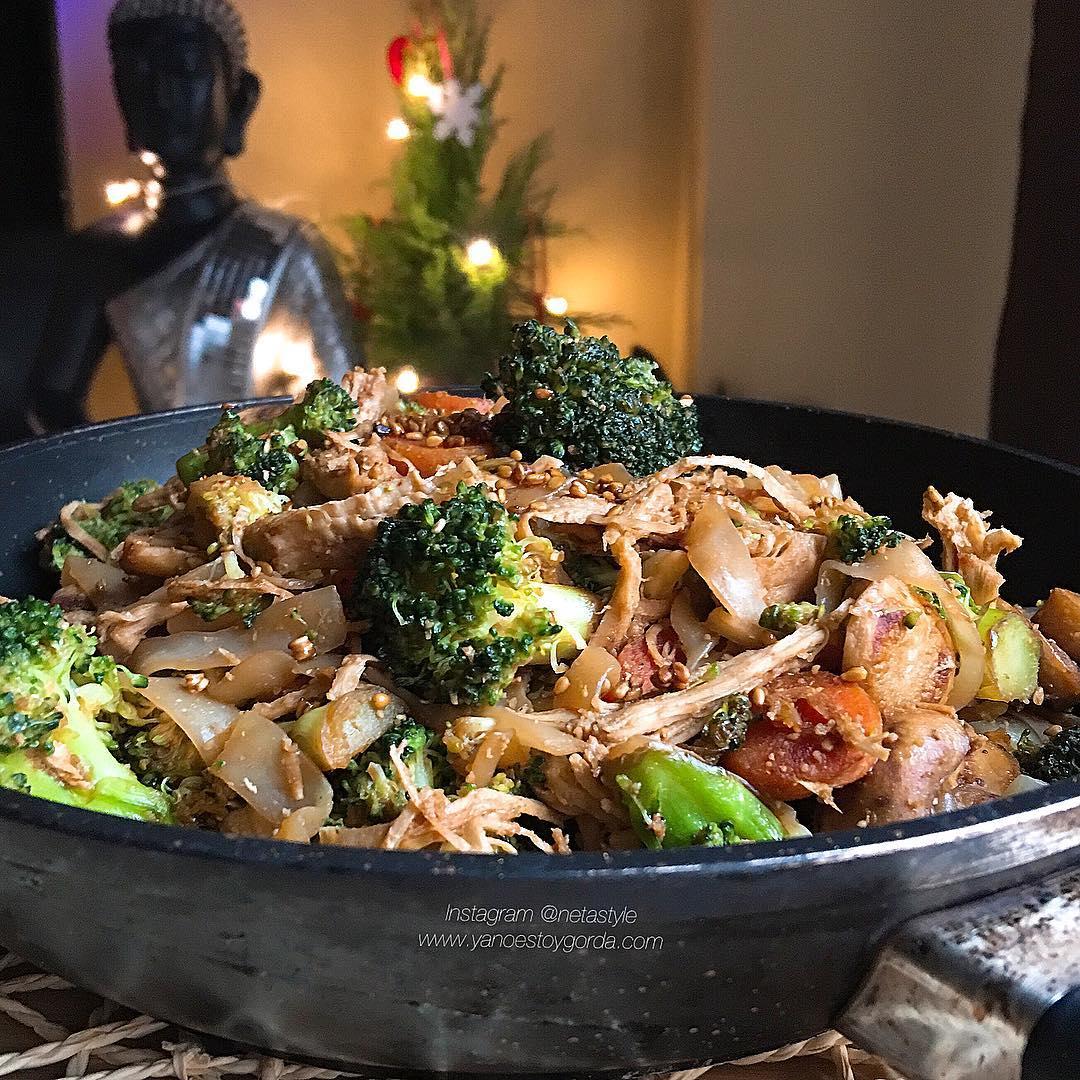 Wok de verduras con fettuccine konjac