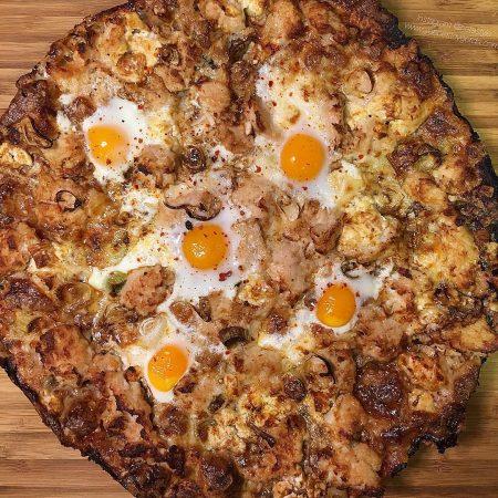 Pizza de espelta con pollo y queso de cabra