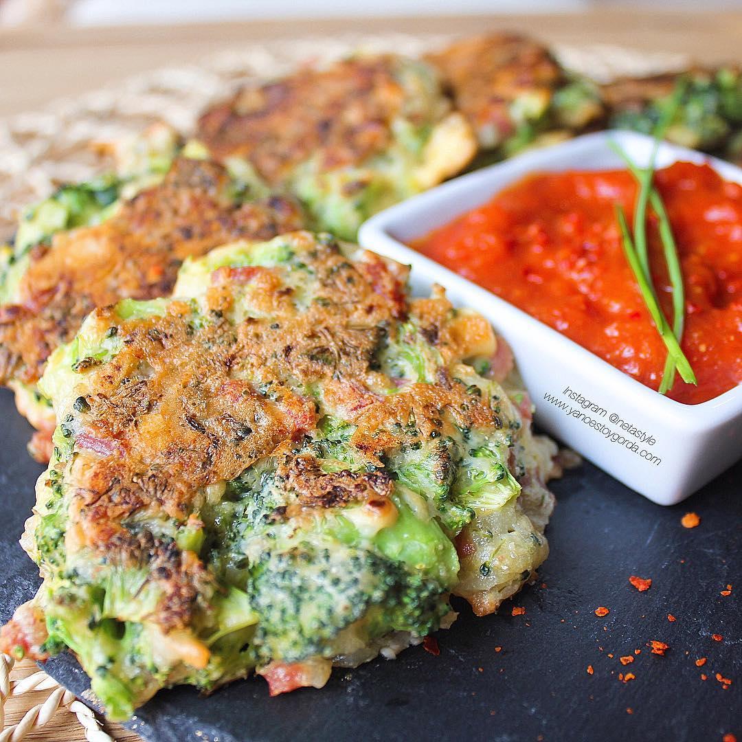 Tortas de brócoli y jamón