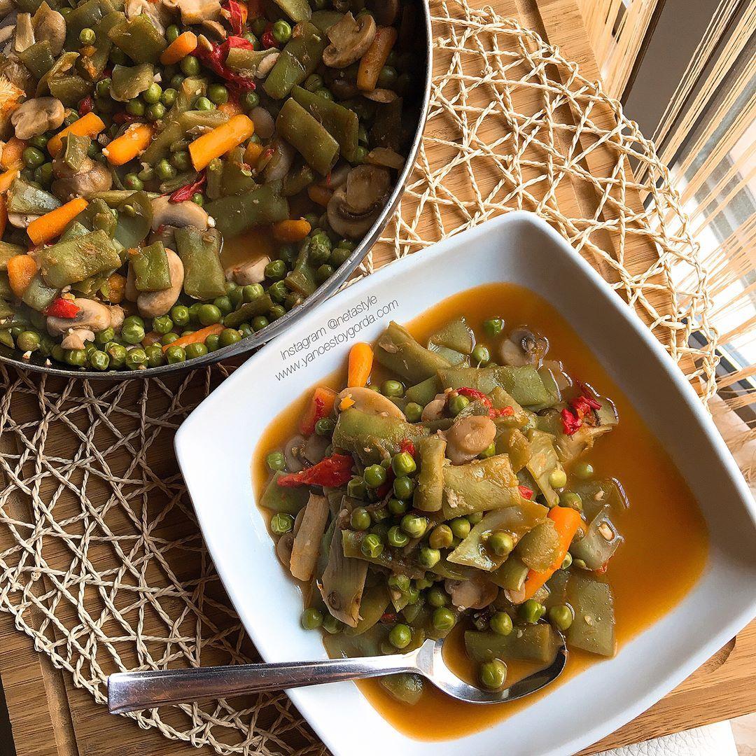 Caldoso de menestra de verduras con ajitos y pimientos asados