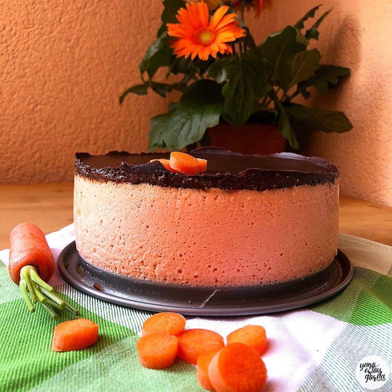 Mousse cheesecake de zanahoria con cobertura de cacao